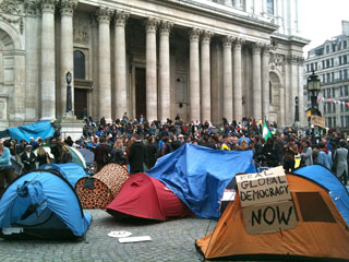 Occupy_london_tents_by_st_pauls_8747